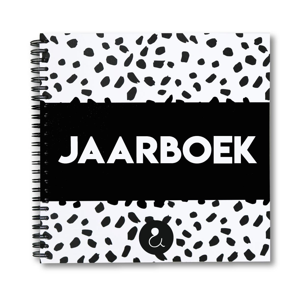 Jaarboek | monochrome